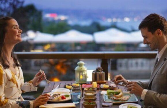 Hilton Istanbul Bosphorus Lalezar Meyhanesi'nde 1 Kişilik Set Menü