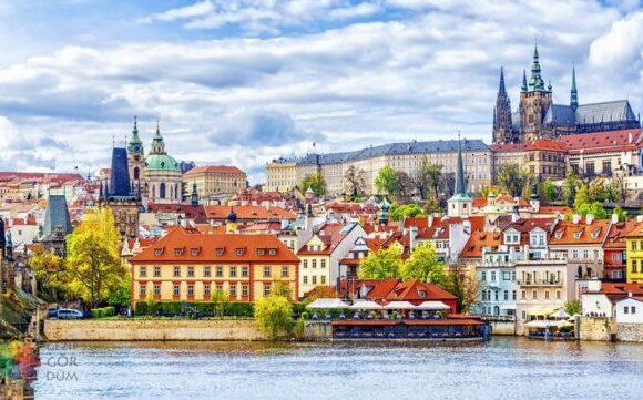 Prag'da 3 Gece 4 Yıldızlı Otelde Kişi Başı Oda Kahvaltı Konaklama