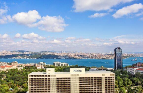 Hilton Istanbul Bosphorus 1 Gece 2 Kişi Tam Pansiyon Konaklama Paketi