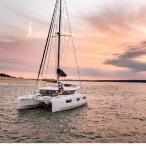 Katamaran Lagoon'46 Kaptan ve Aşçı dahil 1 hafta kiralama