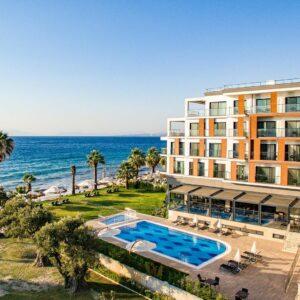 Kuşadası Maia Luxury Beach & Spa Hotel 1 Gece 2 Kişi Yarım Pansiyon Konaklama